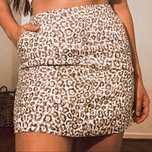 | MANGO LEOPARD LINEN MINI SKIRT
